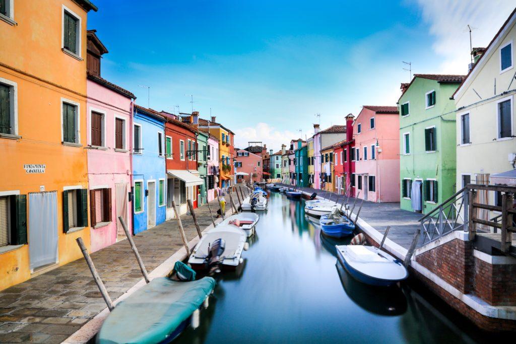Turismo internazionale in Italia: già persi quasi 10 miliardi di euro e 35 milioni di visitatori. Axess PR lancia la campagna #savesummer2020 - Axess PR Italia 7